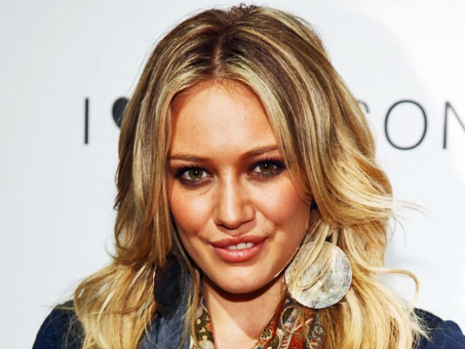 Hilary Duff To Pen Young Adult Book Series