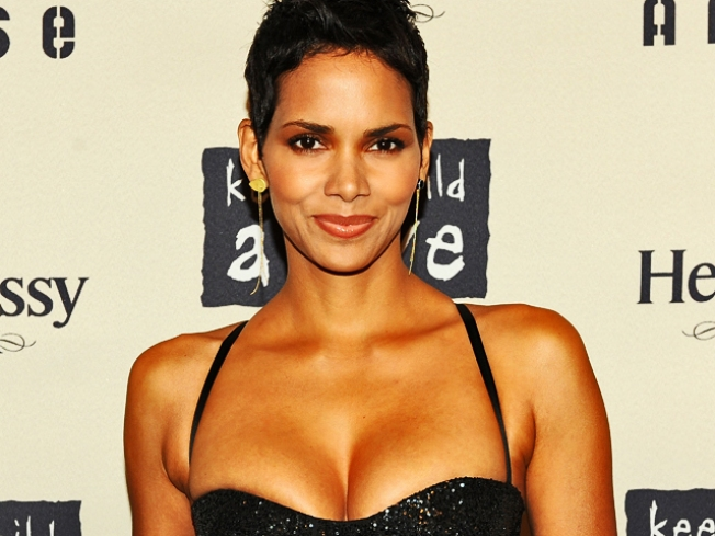 Halle Berry To Receive Hollywood Leadership Award