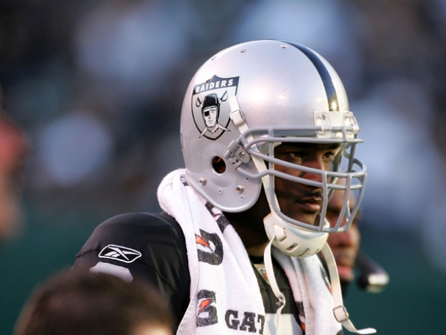 Cable Blames JaMarcus for Raiders Missing Playoffs