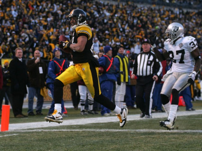 Hines Ward Vows He'll Play Against Raiders