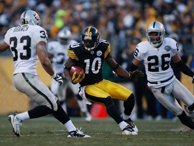 Raiders' McFadden Faces Steelers and His Brother