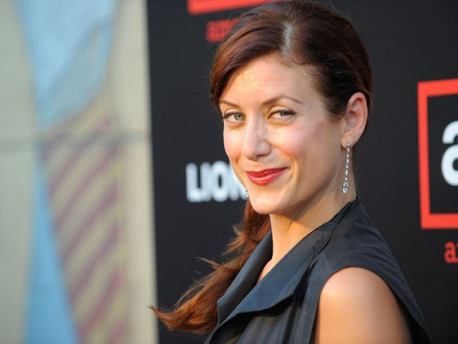 Kate Walsh Divorce Finalized – Furniture Ownership Up To A Coin Flip