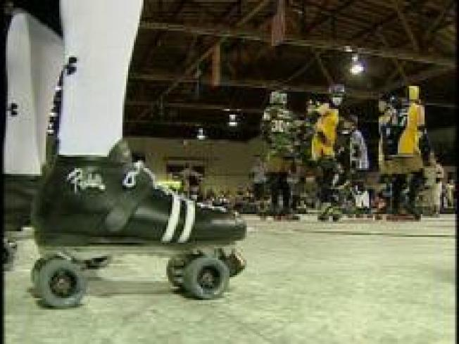 All Girl Flat Track Roller Derby Jams in Bay Area