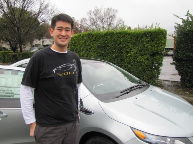 Berkeley Man Drives Away the Bay's 1st Chevy Volt
