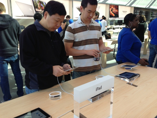 Is Apple's Palo Alto Store Too Loud?