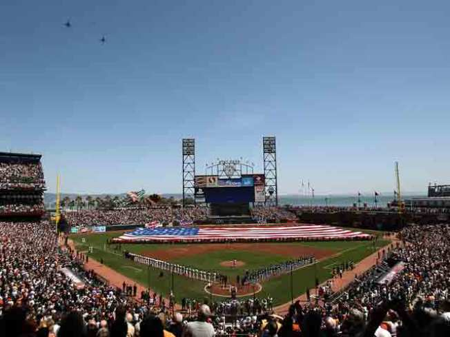 Giants Post-Season Tickets Snapped Up in Minutes