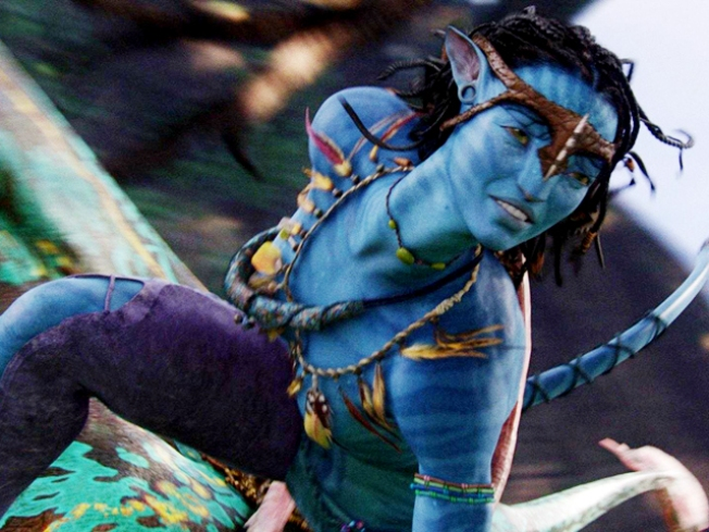 """Avatar"" Tops Hollywood's Record-Breaking Holiday Weekend"