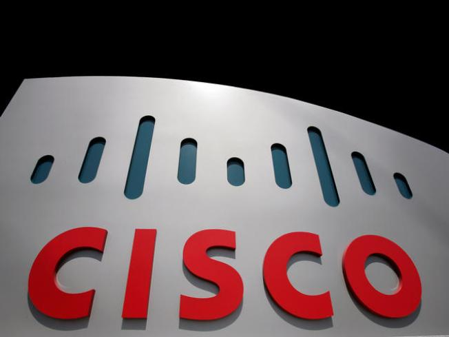 Cisco's Earnings Plummet But Beats Street