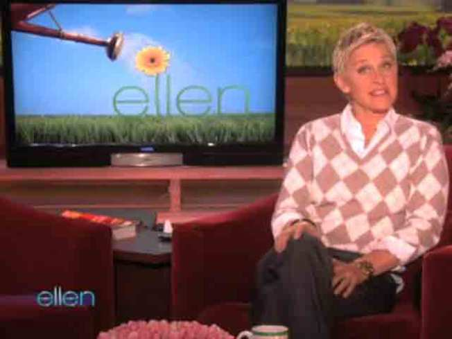 Ellen Bows to Apple After iPhone Spoof