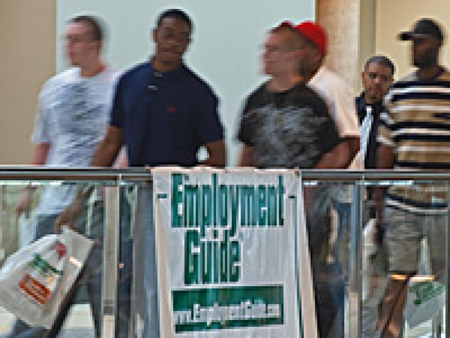 Weekly Claims Post Rise in Sign of More Job Weakness