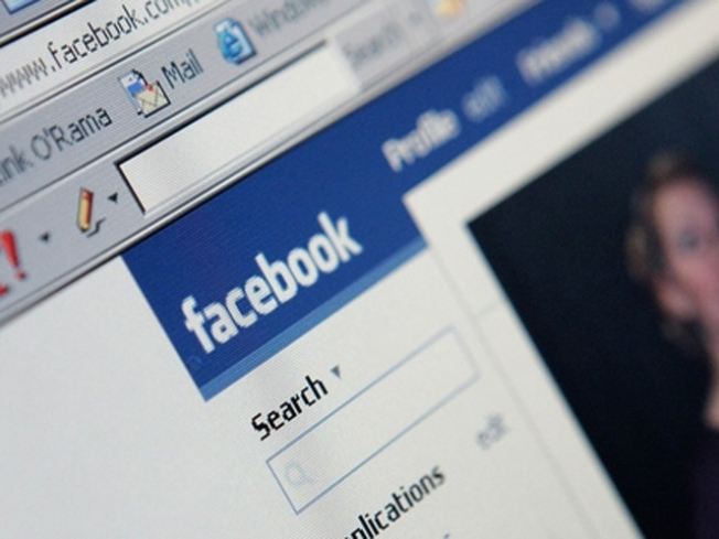 Facebook use can lower grades by 20 percent, study says