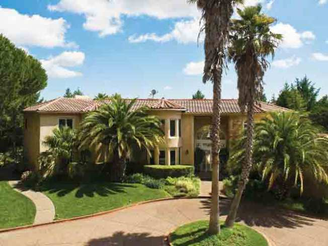 Jerry Garcia's Bay Area Home Up For Sale