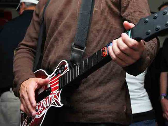 Become a Real Rock Star with Your Gadget Guitar