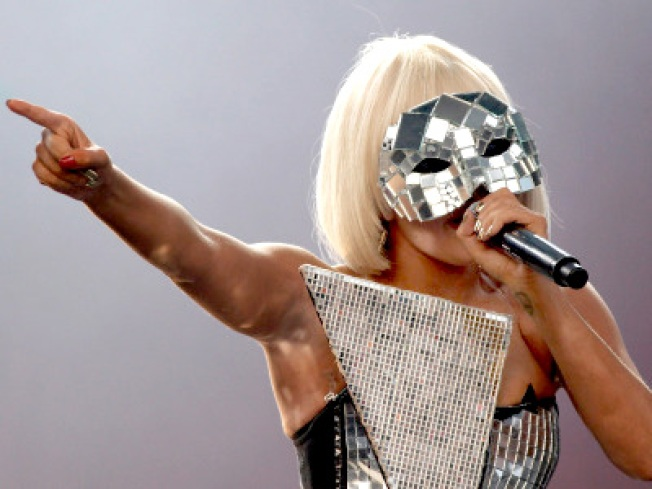 Lady Gaga Makes Up for Bay Area Snub