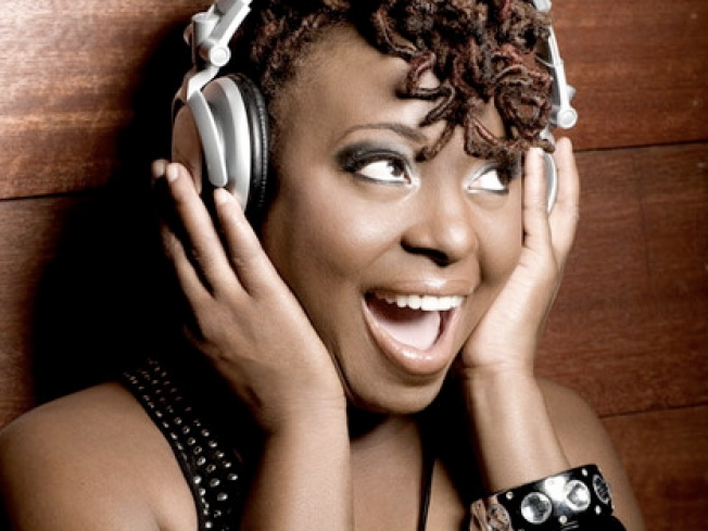 12/29: Ledisi Sings In the New Year