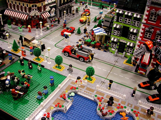 LEGO Convention Comes to Silicon Valley