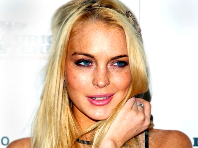 Lawyer: Lindsay Lohan Not Seeking Restraining Order Against Dad; Dina Claims Sister Ali Will