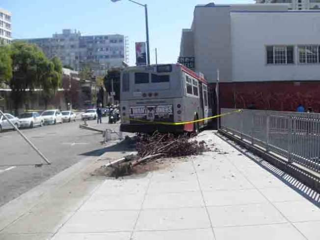 Muni Vehicle Crashes Into Building