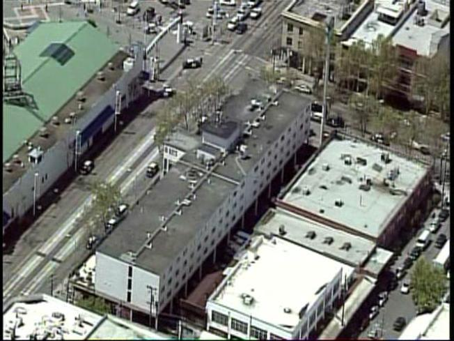 Police Arrest Suspects After Standoff in Oakland