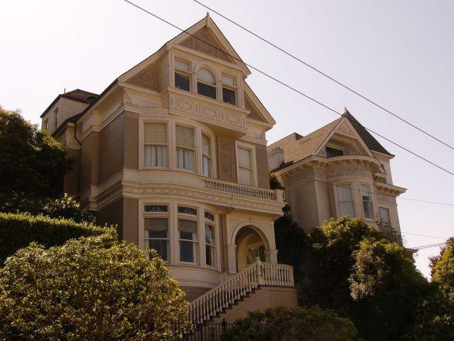 Matthew Fox's Home Sells for Millions