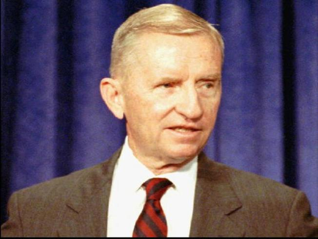 Ross Perot Pays Role in HP-Dell Competition
