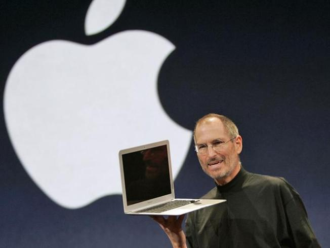 Jobs Unveils New Macbook Pro