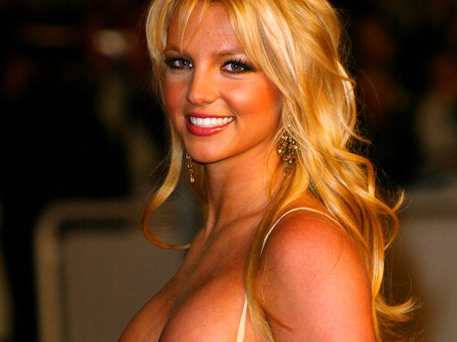Britney Spears Releases Airbrush-Free Photos