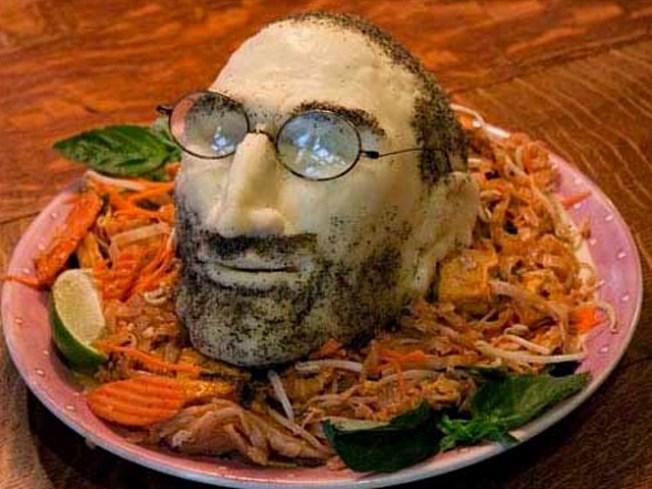 Steve Jobs Takes a Walk Among Mere Mortals