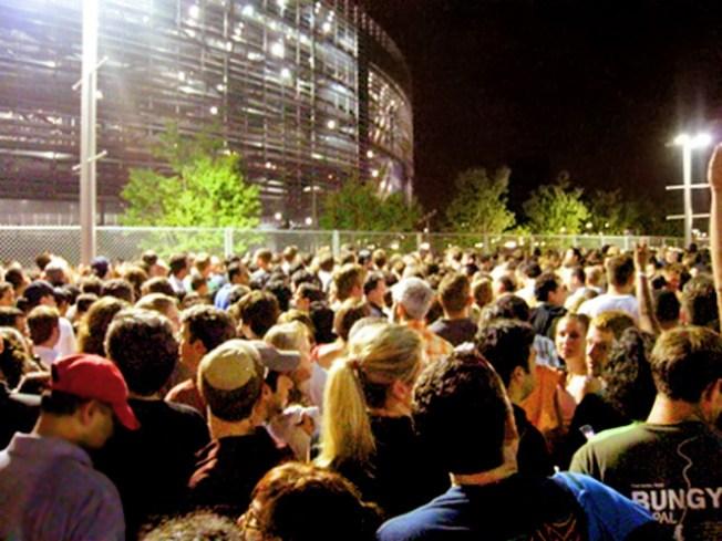 Train in Vain: U2 Fans Stranded for Hours After Concert