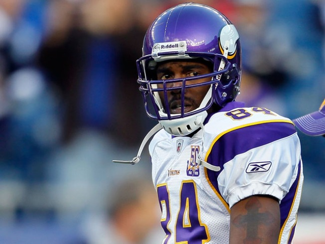Vikings Waive Randy Moss After Four Games