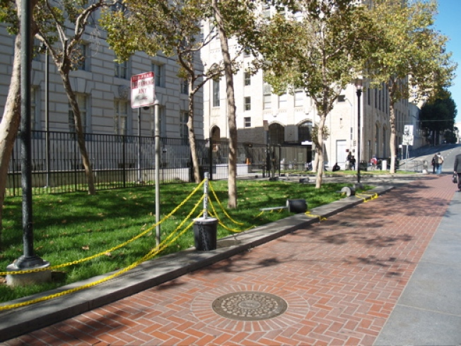 "Only in SF: Effective New ""Barriers"" at U.N. Plaza"