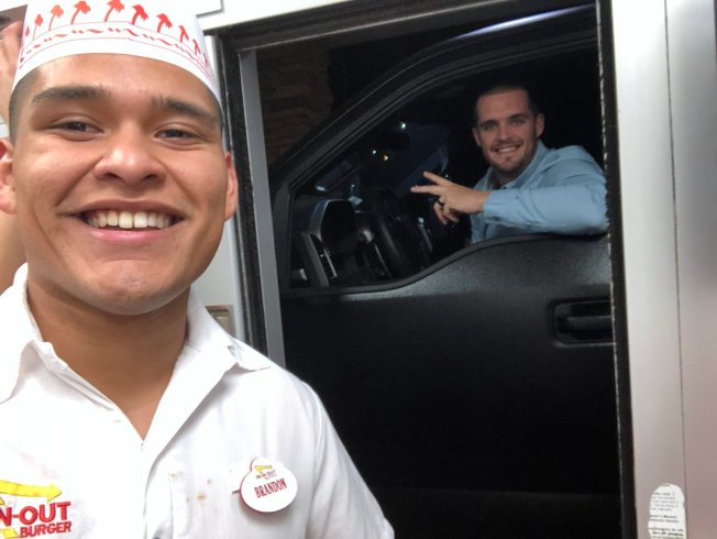 In-N-Out Employee Surprised When Derek Carr Pulls Up to Drive-Thru Window