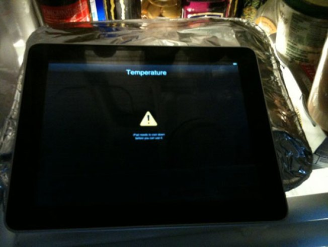 "Add ""Overheating in the Sun"" to the iPad's List of Unexpected Woes"