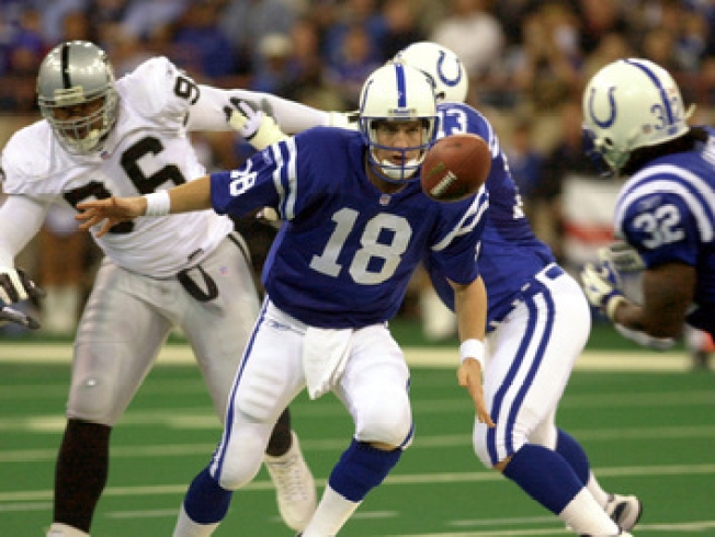 Collie Out, Manning on Fire as Colts Visit Raiders