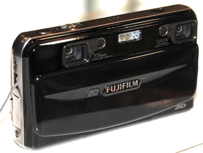 Fuji W1 Digital Camera Snaps 3D Photos and Video
