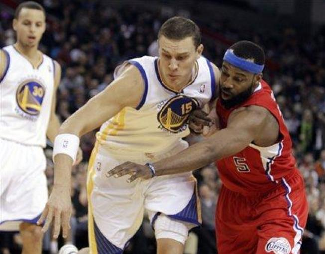 Warriors Tip Clippers in 10-Point Win