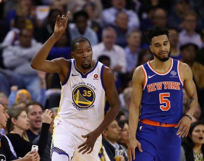 Warriors beat Knicks comfortably after slow start, 123-112
