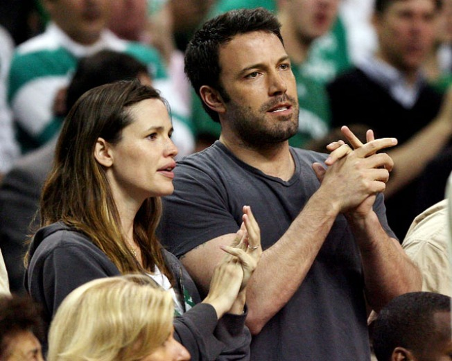 Ben Affleck Thanks Wife Jennifer Garner For Revealing His E-Mail Wooing Skills