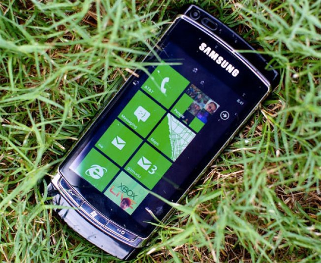 4 Reasons to Love Windows Phone 7, and 3 Things to Worry About