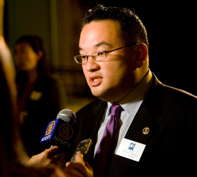 Cupertino Re-Elects Gilbert Wong as Mayor