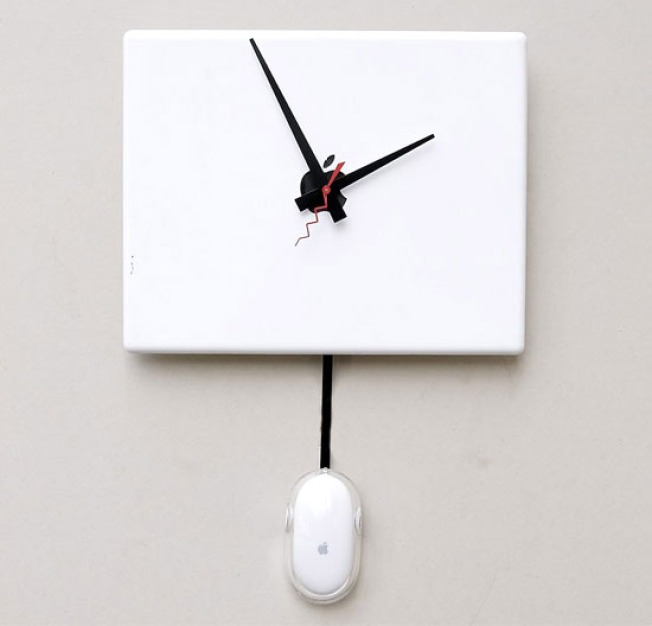 What Time Is It? Check the Recycled Apple iBook Clock on the Wall