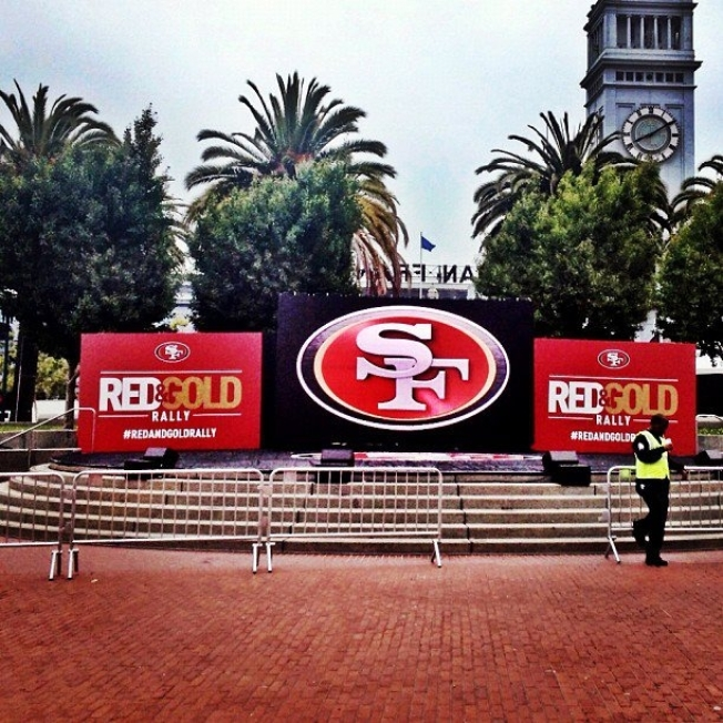 49ers Pump Up Fans With SF Rally