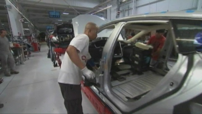 Tesla, South Bay College to Offer Paid Automotive Training
