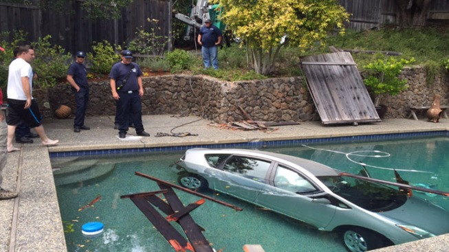 No Injuries After Toyota Prius Plunges Into Pool in Mill Valley: Police