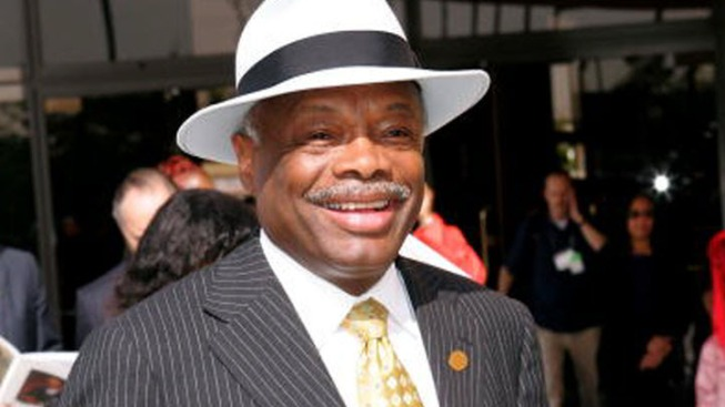 Money For Lobbying: Willie Brown Registers as Lobbyist