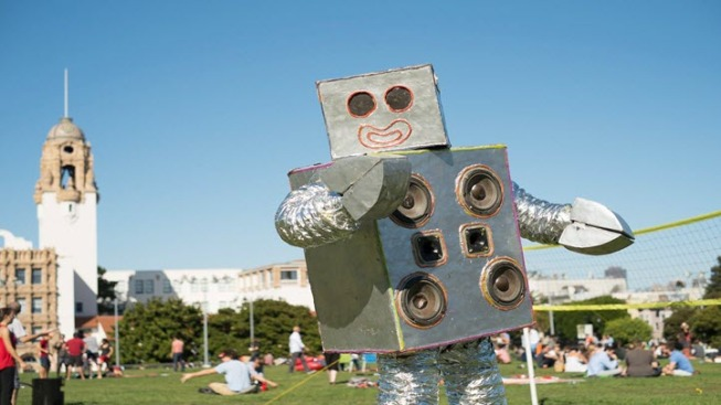 Banned Robot Dance Party Obtains City Permit to Perform at Dolores Park