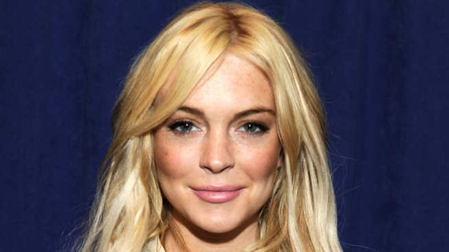 "Lindsay Lohan To Host ""Saturday Night Live"""