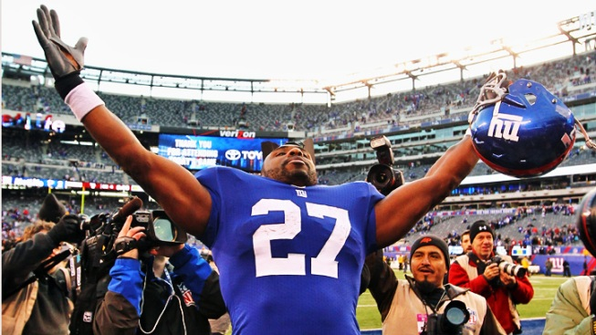 AP Source: Brandon Jacobs Signs With 49ers