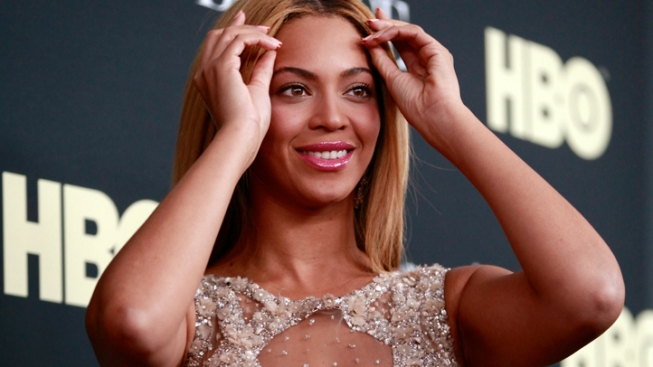 Beyoncé Shows Off Blue Ivy in Leaked Image