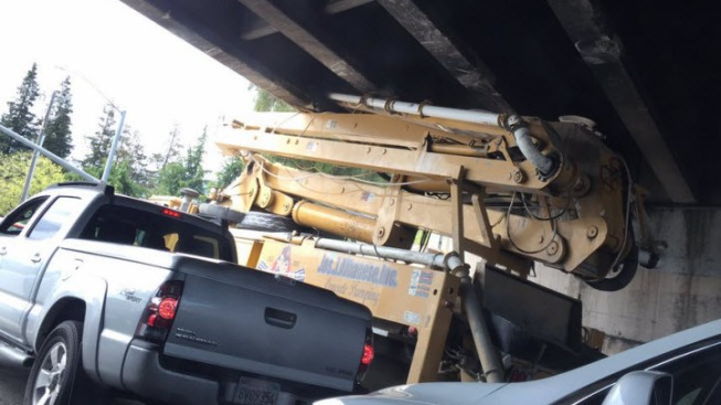 Truck Strikes Overpass on Highway 237 in Sunnyvale, Prompting Road Closure